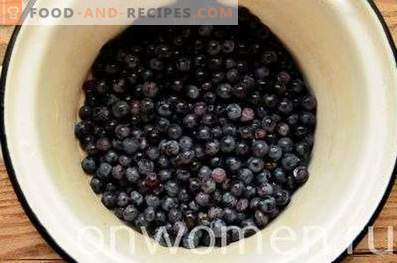 Kompot iz modrega grozdja za zimo
