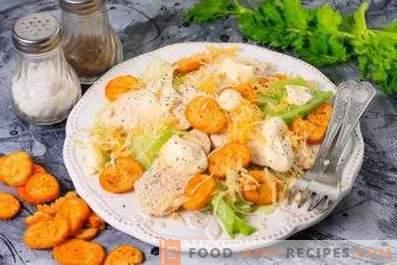 Come cucinare il pollo per l'insalata Caesar